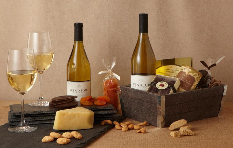 Windsor wine country delight white 2 bottle gift basket negle Images